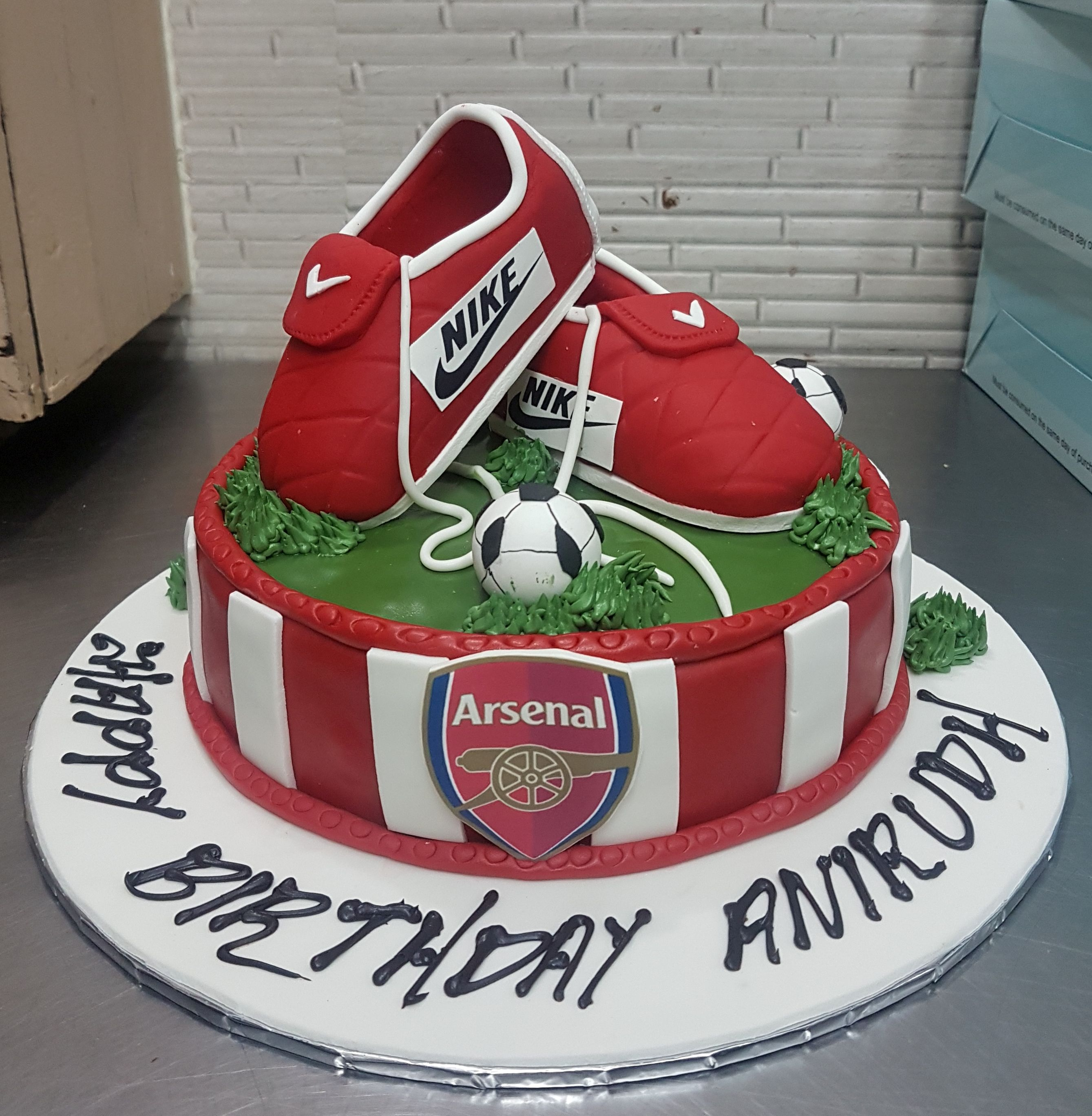 Football Shoes Cake